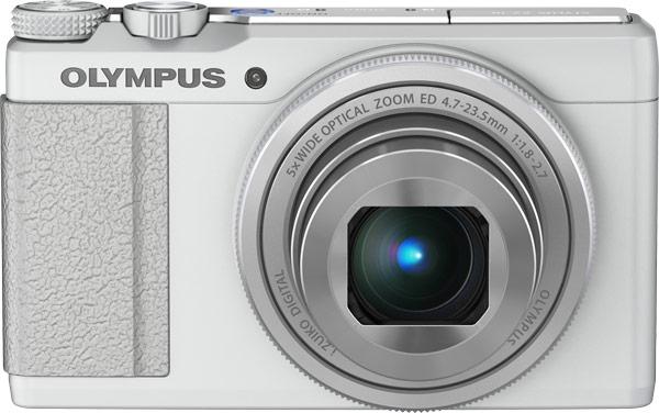 Максимальное значение диафрагмы объектива компактной камеры Olympus Stylus XZ-10 - F/1,8