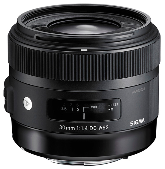 �������� Sigma 30mm f/1.4 DC HSM ������������ ��� ����� ������� APS-C