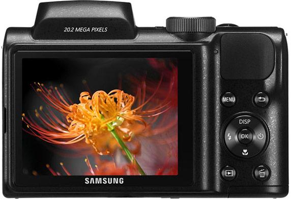 На широкоугольном конце диапазона ЭФР объектива камеры Samsung WB110 составляет 22,3 мм