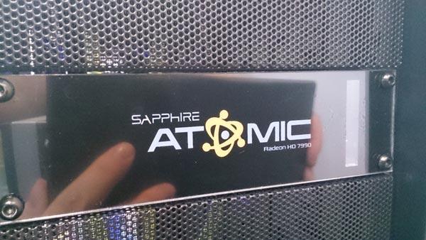 Тактовые частоты 3D-карты Sapphire Atomic HD 7990 находятся на уровне тактовых частот 3D-карты Asus ROG Ares II