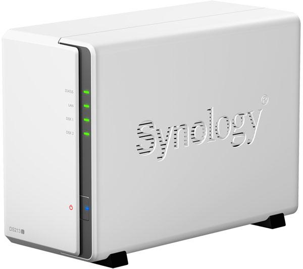 Жесткие диски в хранилище с сетевым подключением Synology DiskStation DS213j закреплены с применением резиновых шайб