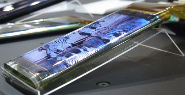 В панели используются тонкопленочные транзисторы InGaZnO