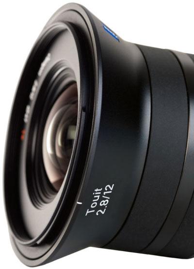 Carl Zeiss ��������� ������ ���������� ��� ������������� ����� Sony NEX � Fujifilm X