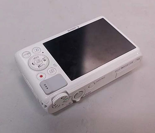 В Сети появились изображения двух компактных камер Canon, включая модель S200