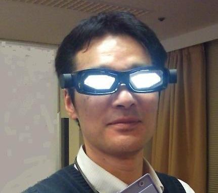 Toshiba создала Transmissive Single-sided Light Emission OLED Panel