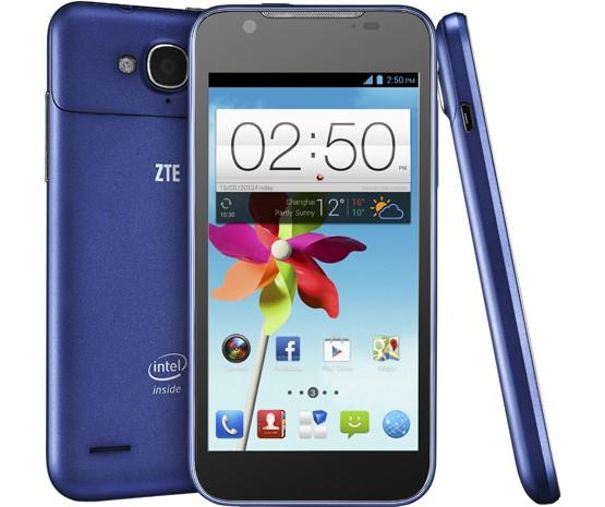 Смартфон ZTE Grand X2 In оснащен экраном размером 4,5 дюйма по диагонали