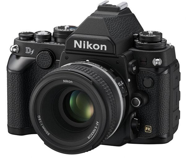 ����� ������������� ������ Nikon Df ��������� � ������� ��������� �����