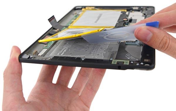 Пример Kindle Fire HDX подтверждает, что мобильное устройство можно сделать тонким, не жертвуя ремонтопригодностью