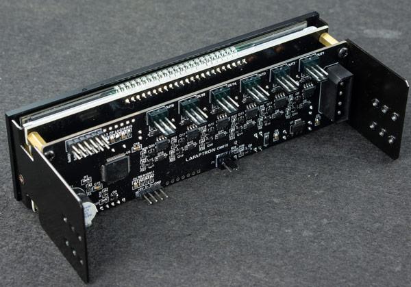 Контроллер вентиляторов Lamptron CM615 поддерживает шесть каналов по 30 Вт