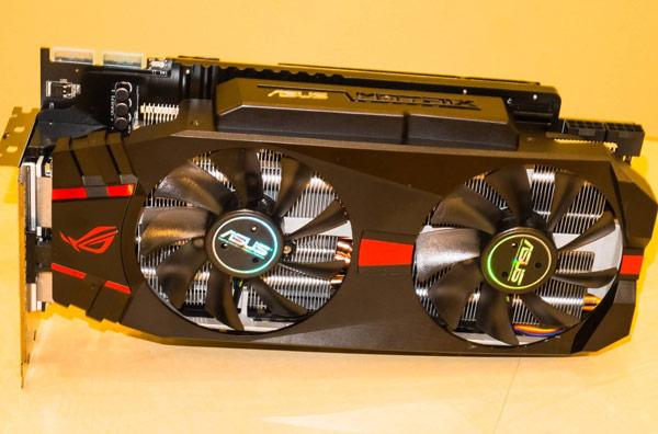 Из-за массивного охладителя 3D-карта Asus Radeon R9 280X Matrix займет в корпусе ПК три посадочных места
