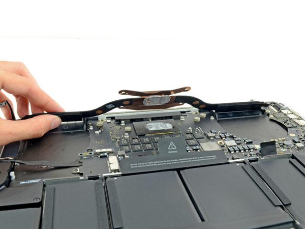 Ноутбук Apple MacBook Pro с 15-дюймовым дисплеем Retina тоже получил за ремонтопригодность всего один балл из десяти