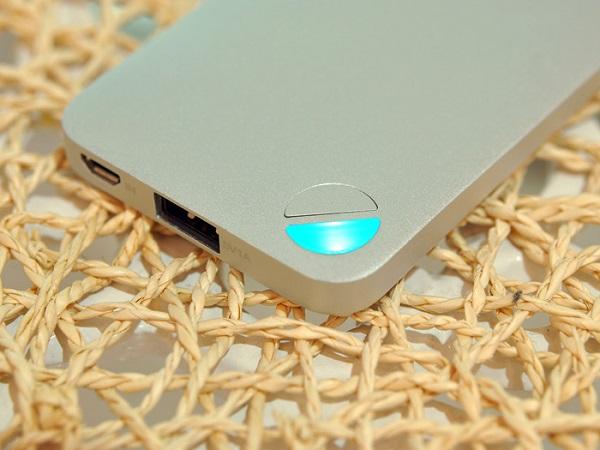Ёмкость внешнего аккумулятора LUXA2 P2 составляет 5000 мА·ч