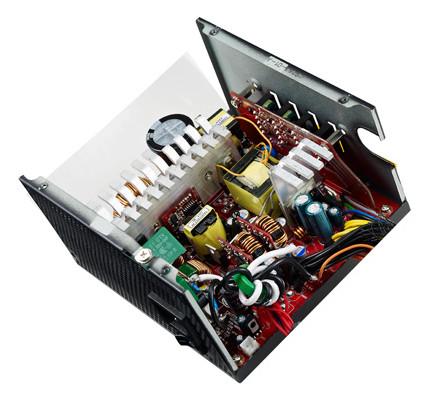 В серию блоков питания Cooler Master VS вошли модели мощностью 450, 550, 650 и 700 Вт