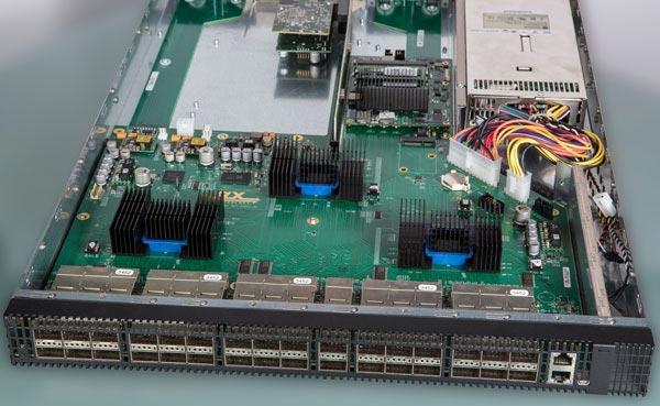 Технология PLX ExpressFabric может найти применение в ВЦ малого и среднего размера