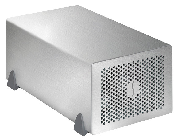 Шасси Sonnet Echo Express SE II имеет два слота расширения PCIe 2.0 x8