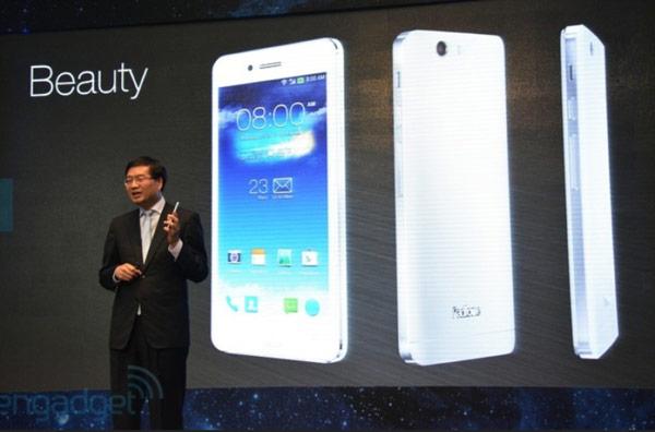 Обновленный смартфон Asus PadFone Infinity получил слот microSD