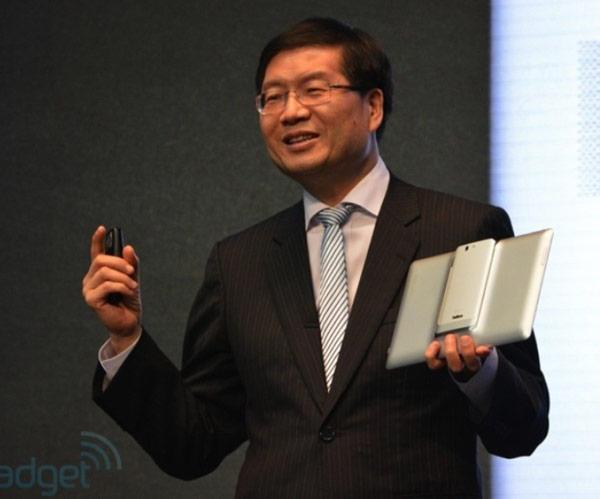 ����������� �������� Asus PadFone Infinity ������� ���� microSD