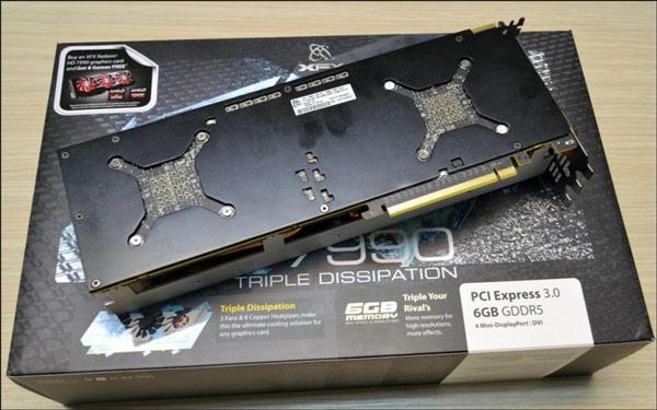 Оснащение XFX Radeon HD 7990 Triple Dissipation включает четыре разъема mini-DisplayPort и один разъем DVI