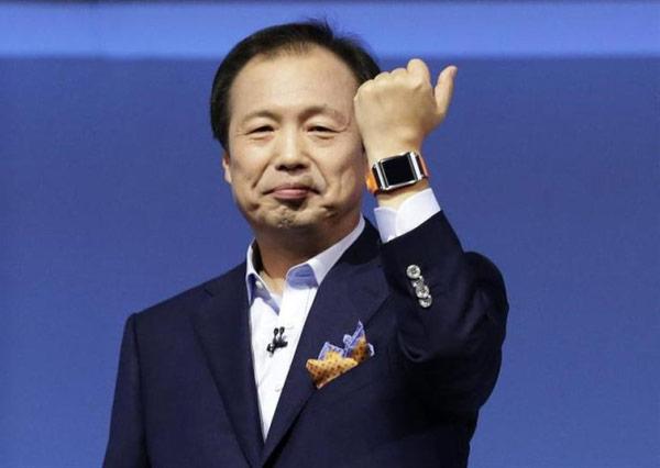 В США «умные часы» Samsung Galaxy Gear появятся в октябре и будут стоить $299