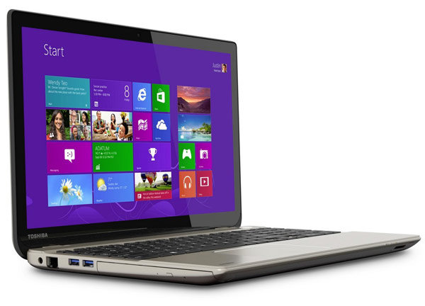 Ноутбук Toshiba Satellite P55t оснащен дисплеем размером 15,6 дюйма по диагонали