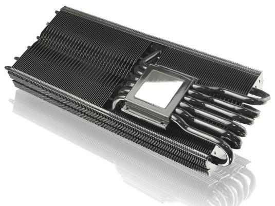 Охладитель Raijintek Morpheus Core Edition комплектуется радиаторами для микросхем памяти и регуляторов напряжения