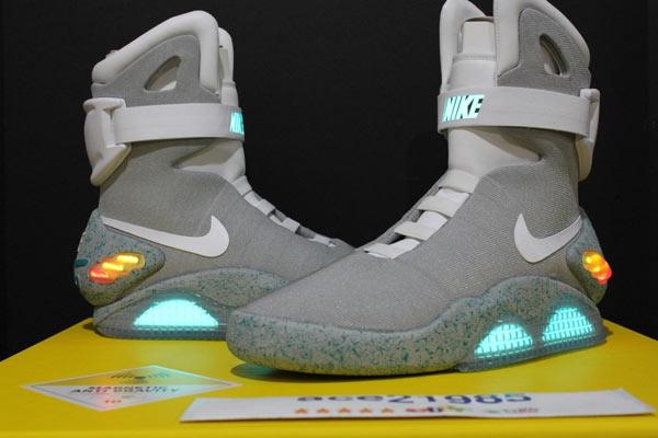 Пару Nike Mag 2011 года сейчас можно купить на аукционе eBay примерно за $8000