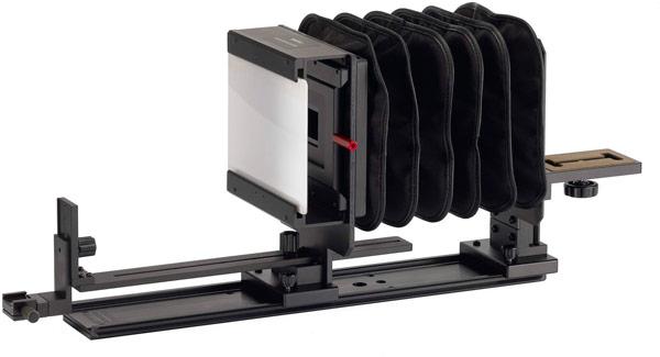 Ricoh Imaging покажет на CP+ 2014 камеру среднего формата, два объектива и приставку для пересъемки пленок