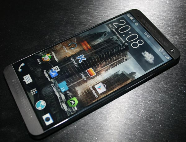 �� ��������������� ������, ������� HTC One+ ����� ��������������� ������� Snapdragon 800