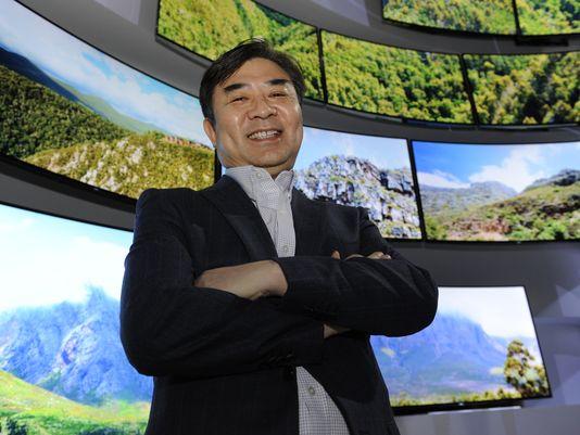 LG, напротив, рассчитывает на быстрый переход к технологии OLED