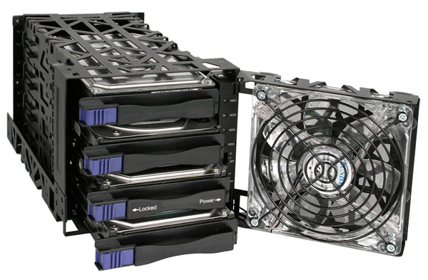 Корзина Icy Dock Black Vortex MB074SP-1B изготовлена из металла и рассчитана на накопители с интерфейсом SATA