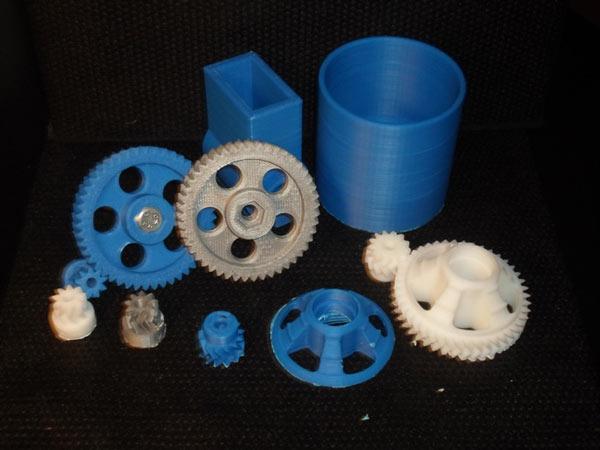 ������� MakerLibre Kossel-Mini �������� �� ��������� 320 ��/�