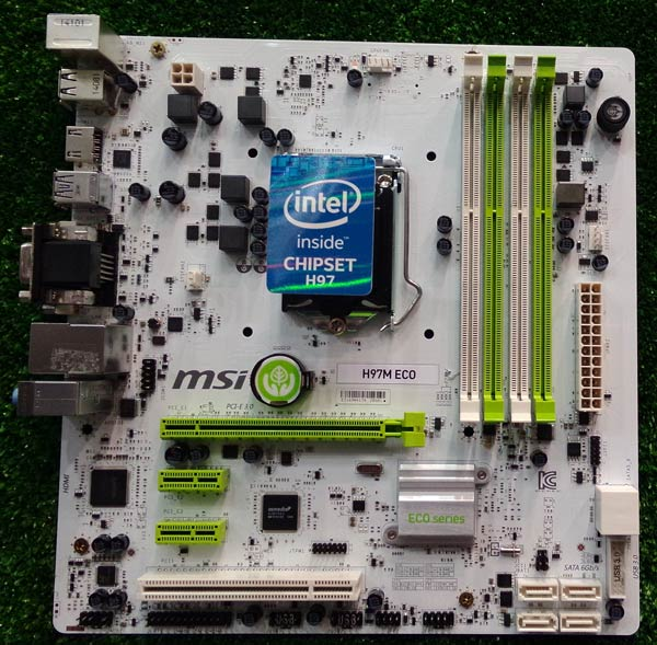 Оснащение платы MSI H97M ECO включает четыре слота для модулей DIMM
