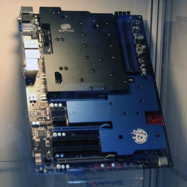 В оснащение платы Sapphire Atomic 990FX входит три слота PCI-Express 2.0 x16