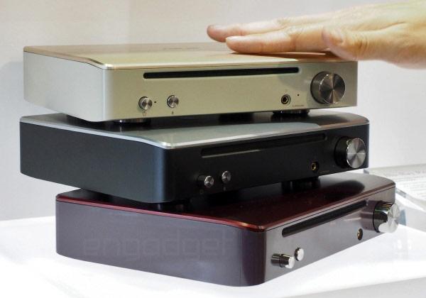Оснащение устройства Blu-ray Asus Prime включает цифровой оптический выход