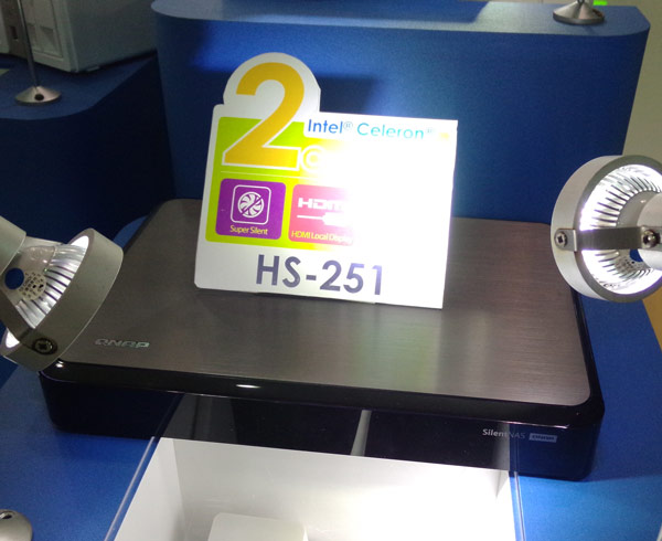 Хранилище QNAP HS-251 может играть роль проигрывателя