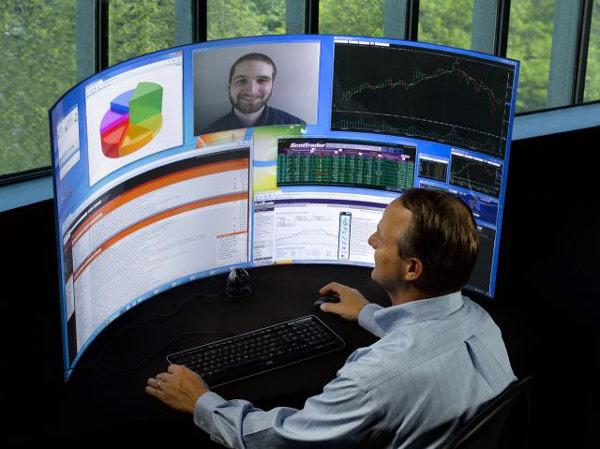 Насыщение рынка традиционных мониторов заставляет производителей искать новые ходы