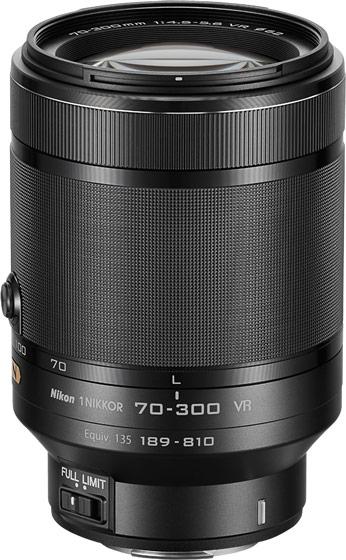 Объектив 1 Nikkor VR 70-300mm f/4.5-5.6 имеет выдвижную конструкцию