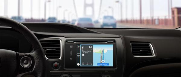 Функция CarPlay будет впервые представлена совместно с ведущими автопроизводителями на Женевском международном автосалоне