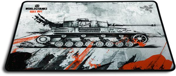 Коврик World of Tanks Razer Goliathus имеет резиновую основу и рабочую поверхность из текстиля