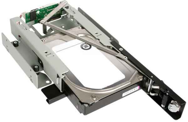 Отсек Icy Dock TurboSwap MB171SP-B рассчитан на накопители с интерфейсом SATA