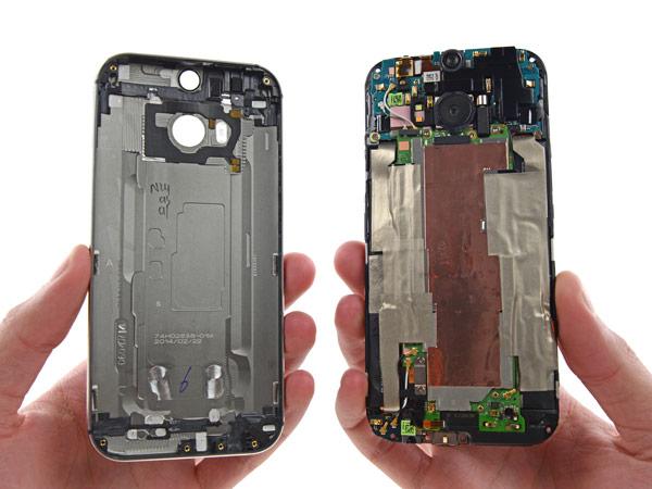 К минусам HTC One (M8) отнесена сложность разборки