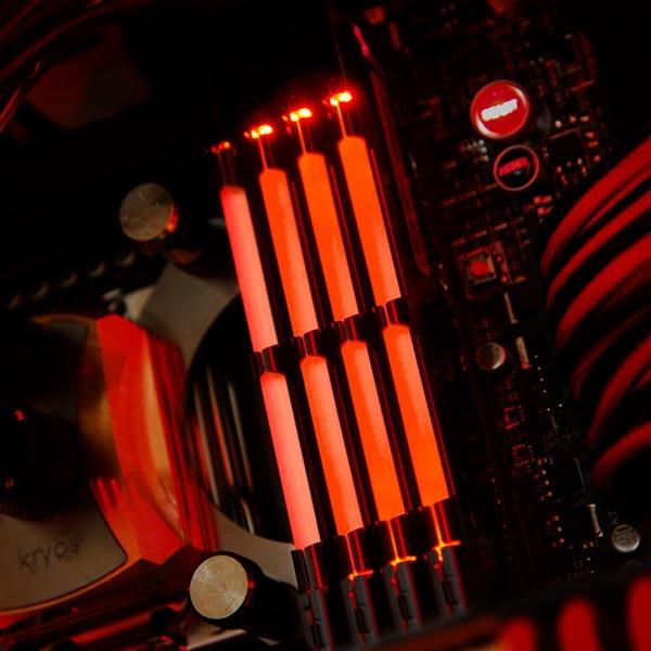 Набор PUD32800C124G2LSK включает два модуля DDR3-2800 суммарным объемом 8 ГБ, PUD32800C128G2LSK - суммарным объемом 16 ГБ