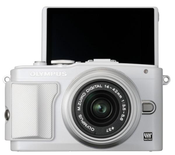 Камера Olympus PEN E-PL7 будет оснащена поворотным трехдюймовым сенсорным жидкокристаллическим экраном
