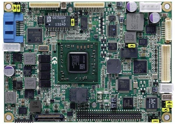 ��������� Axiomtek PICO121 �������� ����� Gigabit Ethernet � SATA 6 ����/�