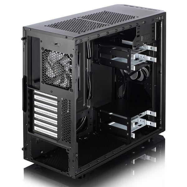 В корпусе Fractal Design Core 2500 можно установить до семи вентиляторов типоразмера 120 мм