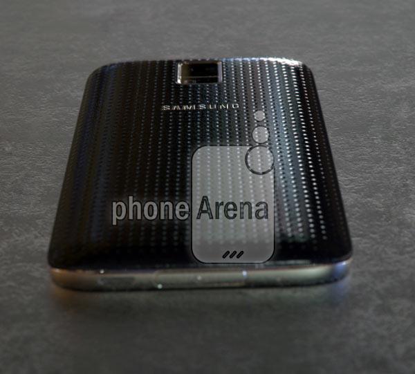 Смартфон Samsung Galaxy S5 Prime получил экран QHD (1440 x 2560 пикселей) и металлический корпус