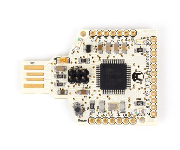 На плате Tah размерами 36 х 51 мм находится микроконтроллер ATmega32U4