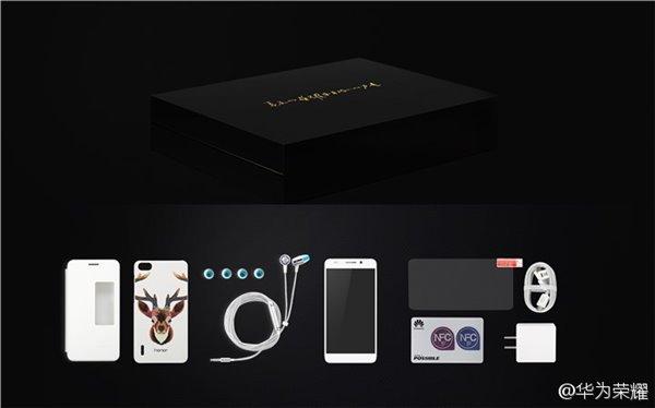 У Huawei Honor 6 Pro обширный комплект поставки