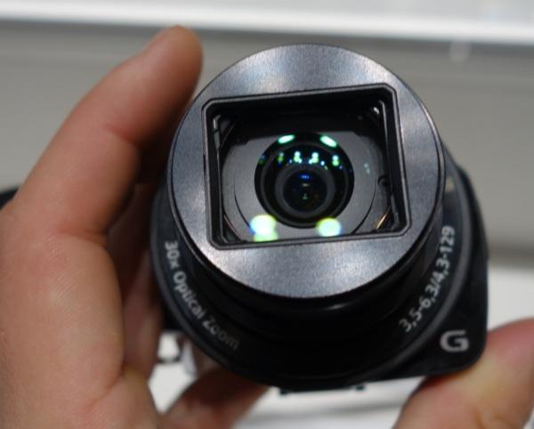 Автономный объектив DSC-QX30