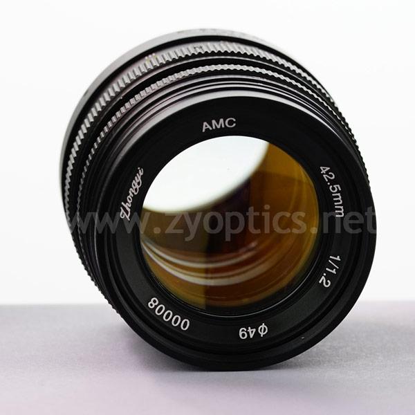 Цена Zhongyi Mitakon 42.5mm f/1.2 равна $359, Zhongyi Mitakon 24mm f/1.7 - $289